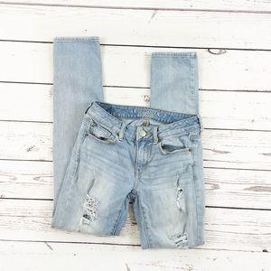 American Eagle distressed skinny jeans sz 2 light